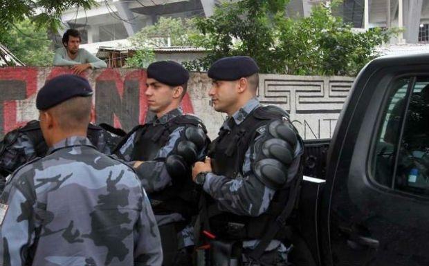 Homens do Batalhão de Choque chegaram por volta de 5h à Aldeia Maracanã
