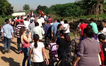 Segundo Martins, hoje cerca de 360 famílias mora em condições precárias após a desocupação do Pinheirinho